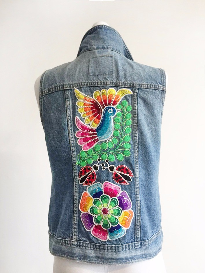 Embroidered jean jacket, flowers and bird - Size M