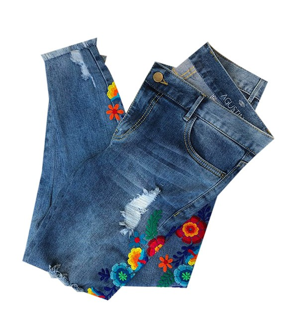 Blue embroidered jean Size 26 - 28 - 30  - 32