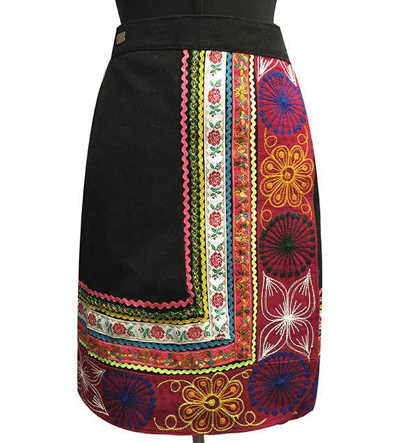Quispi Skirt, Size M and L