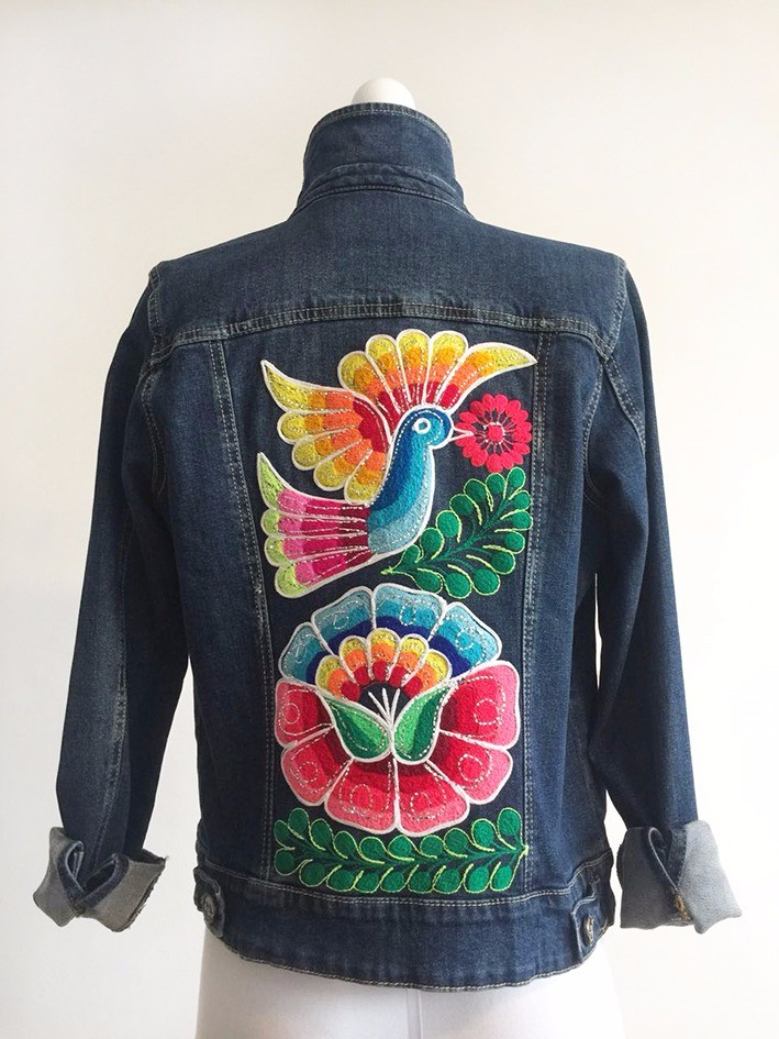 Embroidered jean jacket - Size M